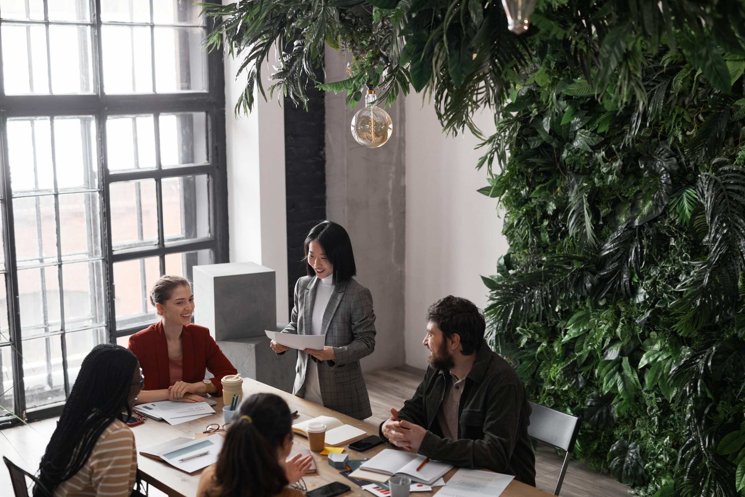 10 differences between working in a cafe compared to working in a coworking space 1 | Innovator Coworking Space